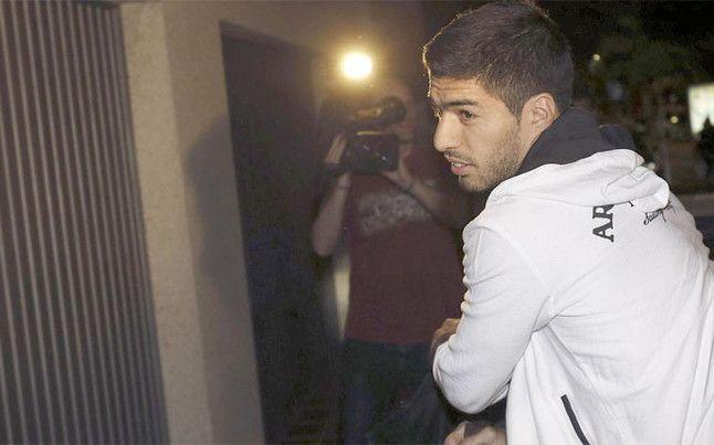 FIFA ostatecznie zatwierdza karę Suáreza