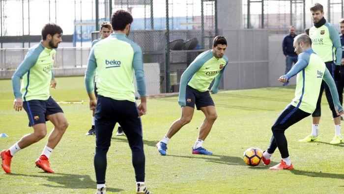 Mundo Deportivo: Najważniejsi piłkarze Barçy odbyli rozmowę po porażce z PSG