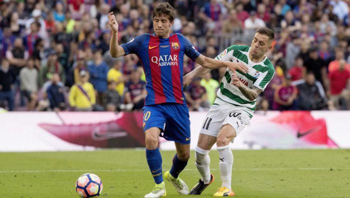 Sergi Roberto schodzi z boiska w swoim ostatnim meczu w tym sezonie