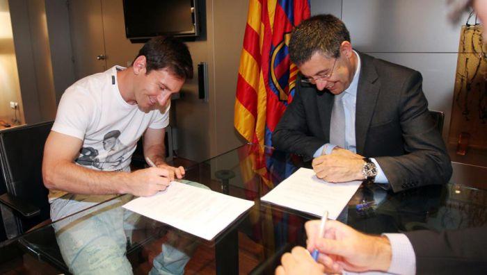 Premia za podpis Messiego pod umową zostanie podzielona na raty