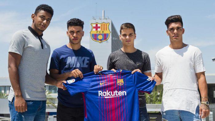 Czterech nowych piłkarzy podpisało umowy z Barçą B