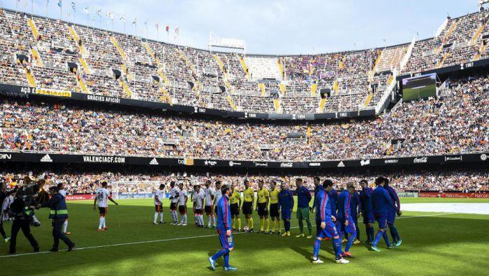 Valencia CF – FC Barcelona: Remis w cieniu skandalu
